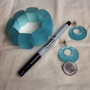 Faux sea glass bracelet and earrings. EUC